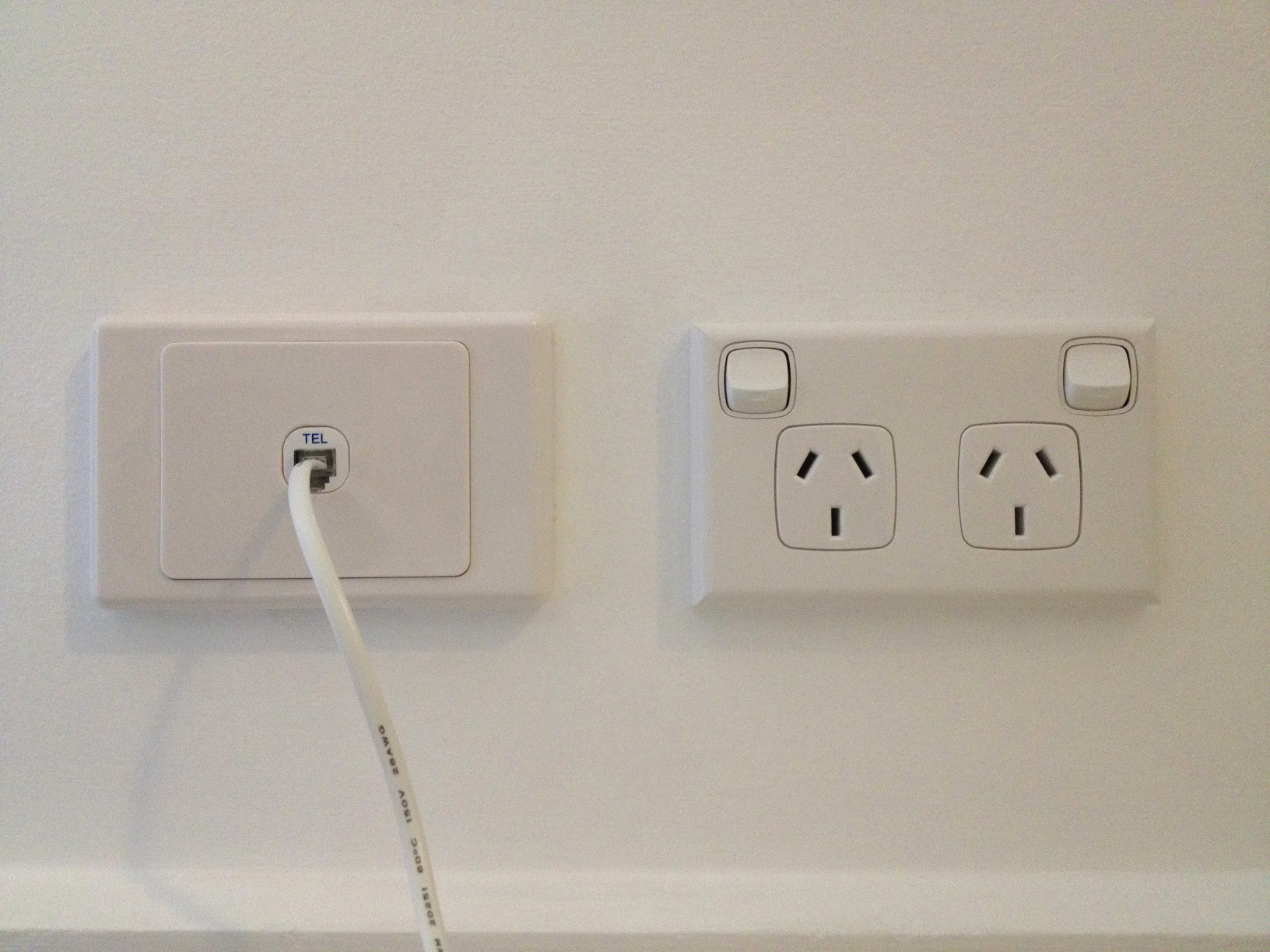 phone socket upgraded1?w=640&h=480 upgrading a 600 series phone socket to rj11 tp69 telstra wall plate wiring diagram at highcare.asia